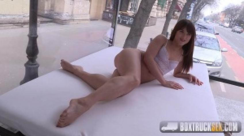 BoxTruckSex.16.10.26.Lydia.Lust.XXX.1080p.MP4-KTR