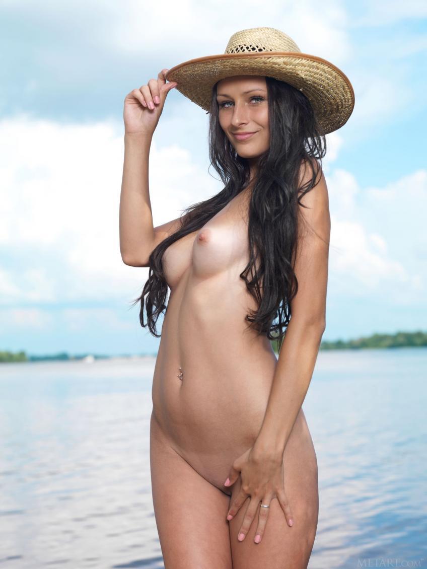 MetArt - 2016-04-29 - Yarina A - Mosoe