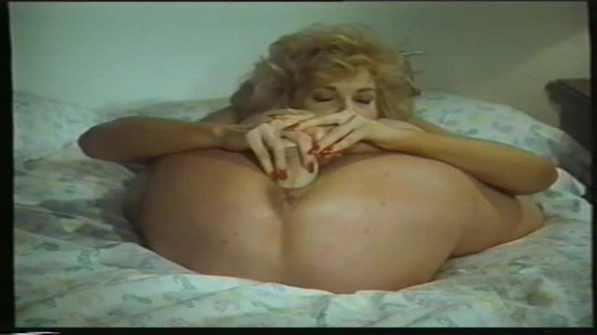 Piroska.es.a.farkak.I.1993.XXX.VHSRIP.XVID.HUNDUB-PORNOLOVERBLOG