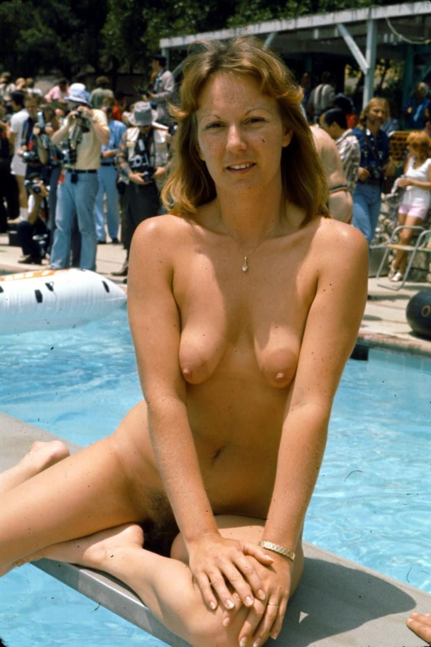 Nudists contest